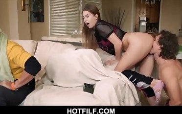 Teenage black-haired stepsister banging brutha behind parent-HOTFILF.COM